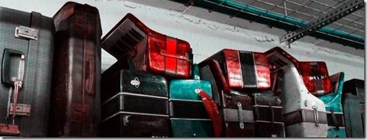 אקורדיונים ומזוודות